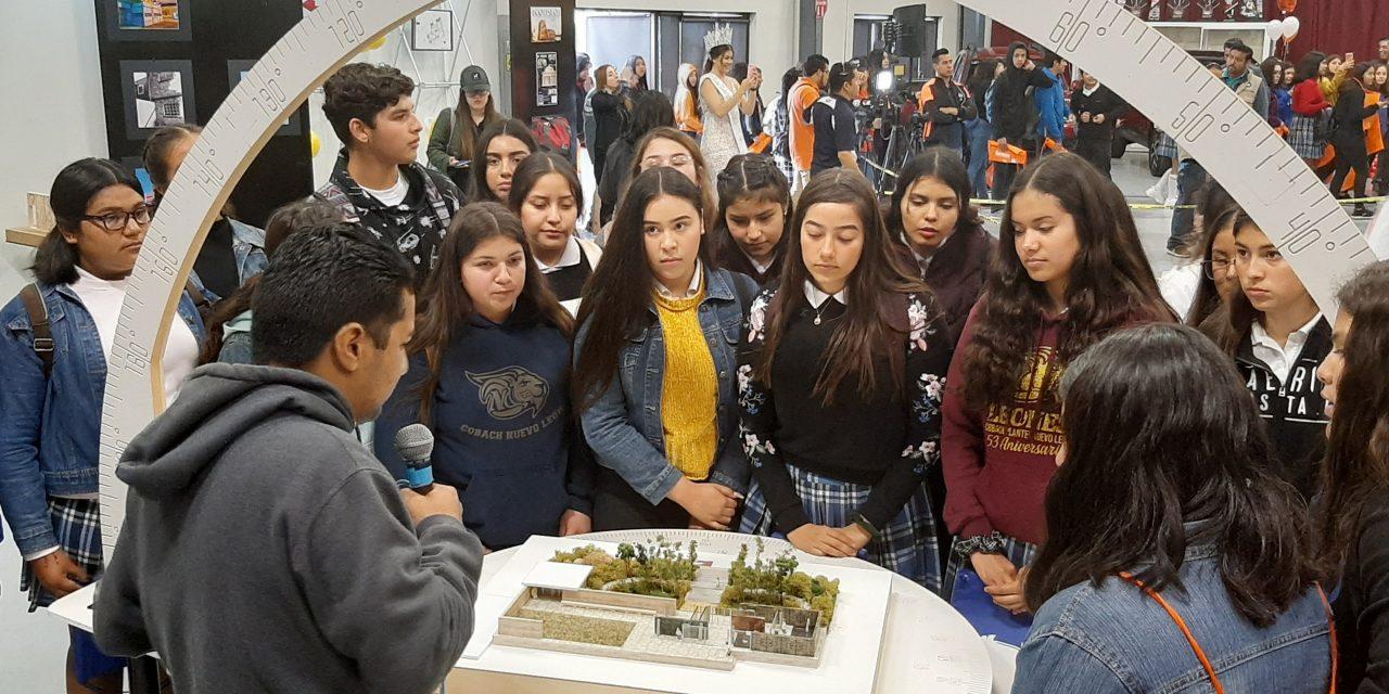 GRAN CONVOCATORIA EN EXPO PERFILES DE UNIVERSIDAD XOCHICALCO