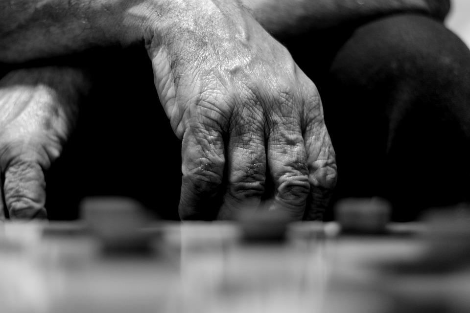 EXHORTAN A DENUNCIAR ACTOS QUE ATENTEN CONTRA LOS ADULTOS MAYORES