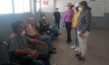ABUELITOS DE ASILO CLAUSURADO SON TRASLADADOS AL CREA-MEXICALI