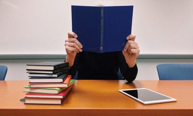 FACTORES QUE DETERMINAN EL LOGRO EDUCATIVO A DISTANCIA