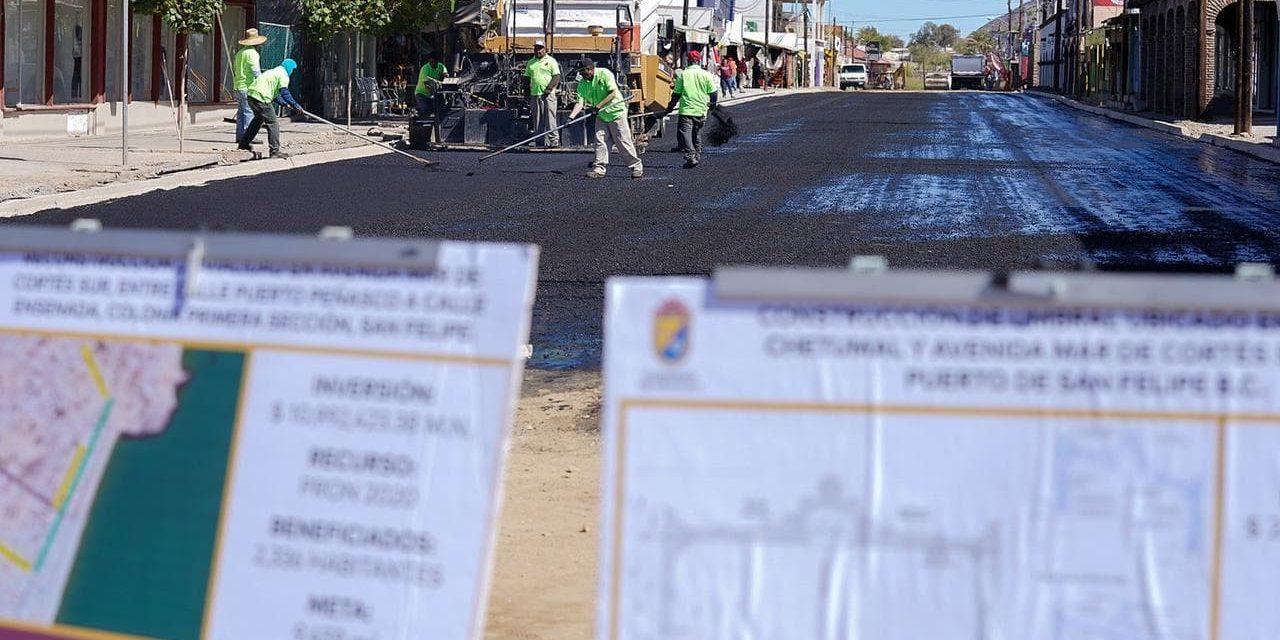 SUPERVISAN TRABAJOS DE REHABILITACIÓN DE VIALIDADES EN SAN FELIPE